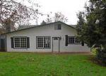 Foreclosed Home in Roseburg 97471 208 W AMANDA ST - Property ID: 4089661