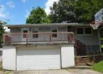 Foreclosed Home in Saint Louis 63122 11818 BIG BEND RD - Property ID: 4100522
