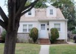 Foreclosed Home in Hempstead 11550 15 COTTAGE PL - Property ID: 4103042