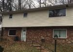 Foreclosed Home in Charleston 25303 825 DAVERTON RD - Property ID: 4106597