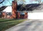 Foreclosed Home in Vicksburg 39180 101 COLONIAL DR - Property ID: 4112503
