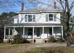 Foreclosed Home in Maxton 28364 319 N PATTERSON ST - Property ID: 4113374