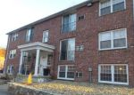 Foreclosed Home in Lowell 01852 110 BOYLSTON LN APT 29 - Property ID: 4116297