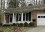 Foreclosed Home in Huntington 25705 21 TYNES LN - Property ID: 4117081
