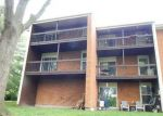 Foreclosed Home in Saint Louis 63122 1996 GREENGLEN DR APT 204 - Property ID: 4135855