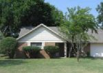 Foreclosed Home in Fort Worth 76134 6912 HERITAGE LN - Property ID: 1571605