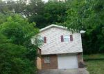 Foreclosed Home in Ashland 41102 2616 OAK HILL LN - Property ID: 2339011