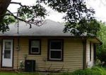 Foreclosed Home in Shelbyville 46176 320 SUNSET DR - Property ID: 2501498