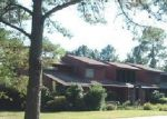 Foreclosed Home in Burgaw 28425 201 W MAIN ST - Property ID: 2911047