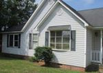 Foreclosed Home in Hodges 29653 405 RILEY RD N - Property ID: 3904742
