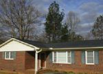 Foreclosed Home in Greenwood 29646 202 ASHCROFT DR - Property ID: 3941908
