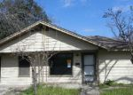 Foreclosed Home in Seguin 78155 715 N BOWIE ST - Property ID: 4008625