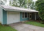 Foreclosed Home in Cedar Rapids 52405 283 RAY DR NW - Property ID: 4015321