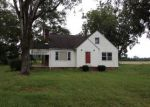 Foreclosed Home in Fairmont 28340 2737 WARD STORE RD - Property ID: 4043075