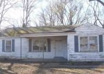 Foreclosed Home in Memphis 38127 1663 S SUTTON DR - Property ID: 4118222