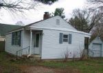 Foreclosed Home in South Bend 46637 52350 LILY RD - Property ID: 4124668