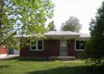 Foreclosed Home in Louisville 40216 3243 POPLAR VIEW DR - Property ID: 4135696