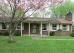 Foreclosed Home in Elizabethtown 42701 718 CLIFFORD DR - Property ID: 4138471