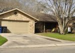 Foreclosed Home in New Braunfels 78130 924 HIDEAWAY CIR - Property ID: 4146090