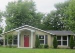 Foreclosed Home in Louisville 40218 5502 ROSARY CT - Property ID: 4148086