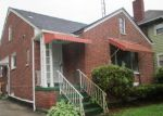 Foreclosed Home in Toledo 43607 2122 WYNDHURST RD - Property ID: 4148301