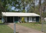 Foreclosed Home in Fort Oglethorpe 30742 216 SHELBY ST - Property ID: 4153280