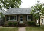 Foreclosed Home in Cedar Rapids 52402 605 41ST ST NE - Property ID: 4157579