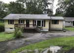 Foreclosed Home in Highland Lakes 07422 203 MANATICUT RD - Property ID: 4163963