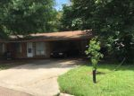 Foreclosed Home in Vicksburg 39180 211 ALFA DR - Property ID: 4189110