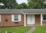 Foreclosed Home in Huntington 25705 121 PARKWAY DR - Property ID: 4205561