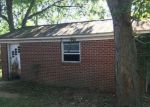 Foreclosed Home in Franklin 42134 152 GROVES LN - Property ID: 4206101