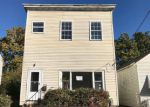 Foreclosed Home in Louisville 40212 2137 ROWAN ST - Property ID: 4224257