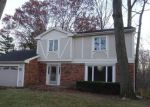 Foreclosed Home in Sylvania 43560 7617 GILLCREST RD - Property ID: 4233196