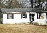 Foreclosed Home in Clinton 37716 407 W BROAD ST - Property ID: 4251037