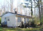 Foreclosed Home in Maple Hill 28454 595 WOOTEN RD - Property ID: 4264742
