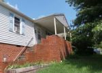 Foreclosed Home in Kingsport 37660 652 BAYS VIEW RD - Property ID: 4280446