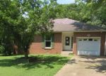 Foreclosed Home in Clarksville 37042 823 HADLEY RD - Property ID: 4287848