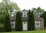 Foreclosed Home in Wallingford 6492  MOHAWK DR - Property ID: 4289370