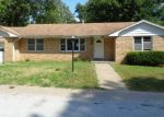 Foreclosed Home in New Franklin 65274 205 N UNION ST - Property ID: 4294399