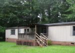 Foreclosed Home in Greenwood 29646 3018 COUNTY FARM RD - Property ID: 4294682