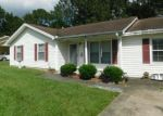 Foreclosed Home in North Charleston 29420 7634 CHIPPENDALE RD - Property ID: 4299127