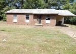 Foreclosed Home in Memphis 38109 530 E SHELBY DR - Property ID: 4299968