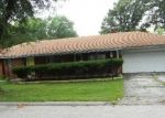 Foreclosed Home in Saint Louis 63134 9001 GEDDE AVE - Property ID: 4309429