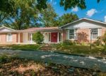 Foreclosed Home in Chesterfield 63017 14391 LADUE RD - Property ID: 4309446