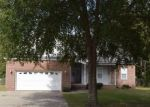 Foreclosed Home in Hope Mills 28348 5534 MUSCAT RD - Property ID: 4317349