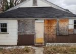 Foreclosed Home in Knoxville 37917 2122 MCCROSKEY AVE - Property ID: 4324322