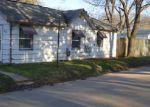 Short Sale in Cedar Rapids 52402 800 36TH ST NE - Property ID: 6281557