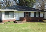 Short Sale in Charlotte 28215 2401 FINCHLEY DR - Property ID: 6309689
