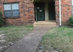 Short Sale in Memphis 38115 3214 THIRTEEN COLONY MALL APT 2B - Property ID: 6320197